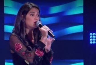 Cantora católica surpreende os técnicos do The Voice Brasil